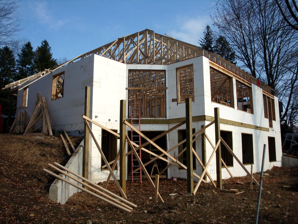 Framing an ICF Home with Insulated Concrete Form Blocks - Turtle Wall of Michigan